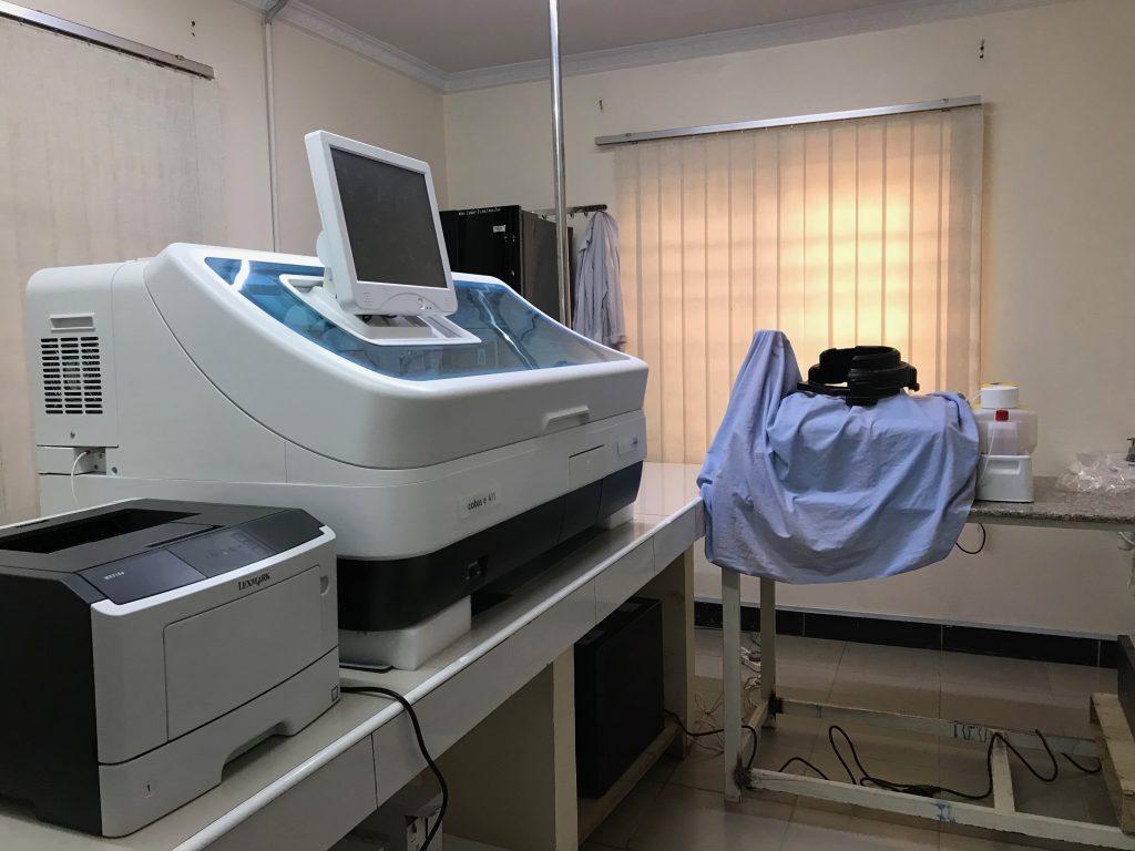 血液検査室3